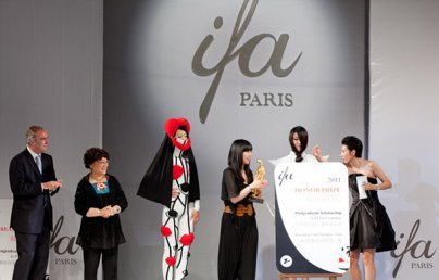 scholarship postgraduate fashion in france support by International Fashion Academy